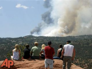 VICIOUS WILDFIRES SPREAD TO COLO. TOURIST CENTERS - Local News ...