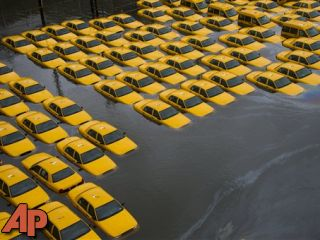 Region hit by Sandy struggles to resume daily life