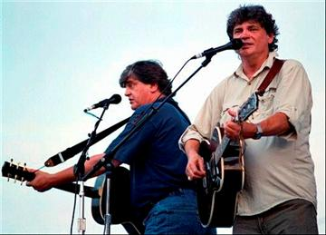 (AP Photo/Messenger-Inquirer, Suzanne Feliciano, File). FILE - In this Aug. 30, 1997 file photo, Phil and Don Everly sing some of their hits at the 10th annual Everly Brothers Homecoming concert in Central City, Ky.