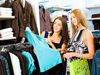 During their fertile days, women are also more likely to buy clothes, the study showed. (©iStockphoto.com/Dmitriy Shironosov)