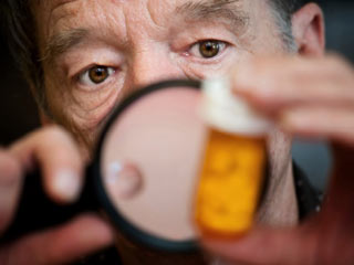 Of more than 1,000 generic drugs, 68 percent had some discrepancies in their safety labeling. (©iStockphoto/Thinkstock)