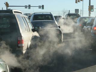 While the study tied air pollution exposure to higher death rates among heart attack survivors, it didn't prove a cause-and-effect relationship. (&amp;copy;iStockphoto.com/David Parsons)