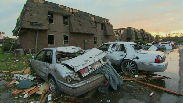 The Tuscaloosa twister obliterated homes and cars in its path. (Source: CNN)