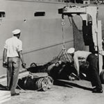 Loading explosives in Port Chicago
