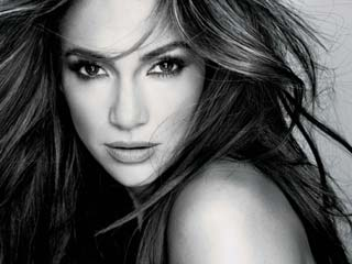 J. Lo tweets cozy photo with Chris Brown