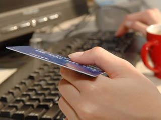 Credit card lenders must state on the billing statement that to avoid interest on a deferred-interest purchase, you must pay the full balance before the end date of the agreement. (©iStockphto.com/Lidija Tomic)
