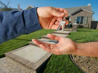 The option to rent-to-own a home has risen in popularity recently, in part because it benefits both buyers and sellers. (©iStockphoto.com/Andy Dean)