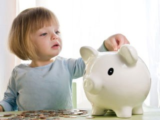 8 best moments to teach your kids financial responsibility