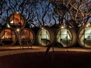 Tubohotel is built to stack like tube pipes and gives you an illusion of living in a sphere bowl. (Image courtesy of Digital Trends)