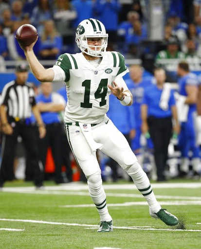 (AP Photo/Rick Osentoski). New York Jets quarterback Sam Darnold (14) throws against the Detroit Lions in the first half of an NFL football game in Detroit, Monday, Sept. 10, 2018.