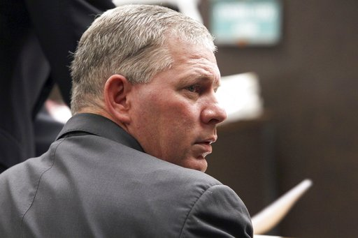 (AP Photo/Nick Ut, File). FILE - In this Dec. 3, 2012 file photo, Lenny Dykstra sits during his sentencing for grand theft auto in Los Angeles. A grand jury in New Jersey has indicted the former baseball star on drug and other charges. The indictment h...