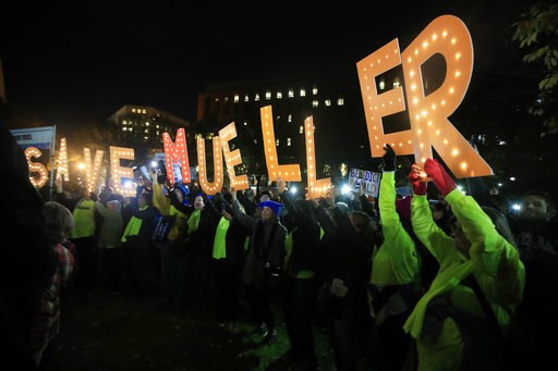 """(AP Photo/Manuel Balce Ceneta). Protesters gather and hold banners in front of the White House in Washington, Thursday, Nov. 8, 2018, as part of a nationwide """"Protect Mueller"""" campaign demanding that Acting U.S. Attorney General Matthew Whitaker recuse..."""