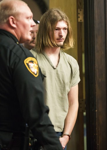 """(Robert McGraw/The Chillicothe Gazette via AP, Pool). Edward """"Jake"""" Wagner enters the courtroom for arraignment at the Pike County Courthouse on Tuesday, Nov. 27, 2018 in Waverly, Ohio.  The first of four family members charged with the 2016 shootings ..."""