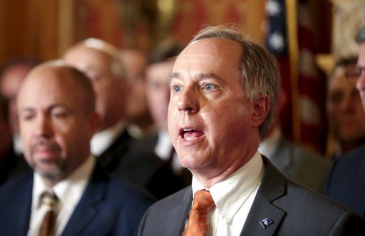 (Steve Apps/Wisconsin State Journal via AP). State Assembly Speaker Robin Vos, R-Rochester, holds a press conference in the Assembly parlor, Tuesday Dec. 4, 2018 at the Capitol in Madison. The Senate and Assembly are set to send dozens of changes in st...