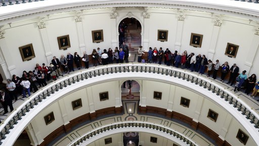 (AP Photo/Eric Gay). Visitors and guests line up in the rotunda of the Texas State Capitol to enter the House Chamber for the beginning of the 86th Texas Legislative session, Tuesday, Jan. 8, 2019, in Austin, Texas.