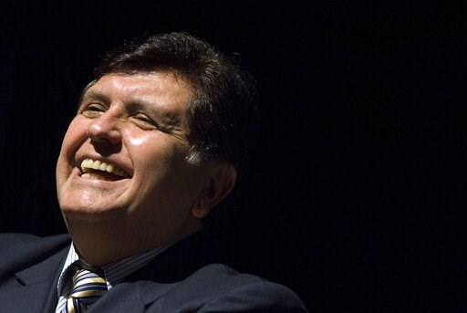 (AP Photo/Andre Penner, File). FILE - In this Sept. 18, 2008 file photo, Peru's President Alan García smiles during the opening ceremony of Expo Peru 2008 in Sao Paulo, Brazil. Current Peruvian President Martinez Vizcarra said Garcia, the 69-year-old f...